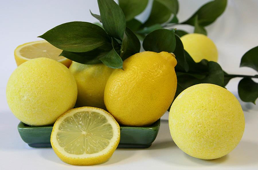 Ветка лимона