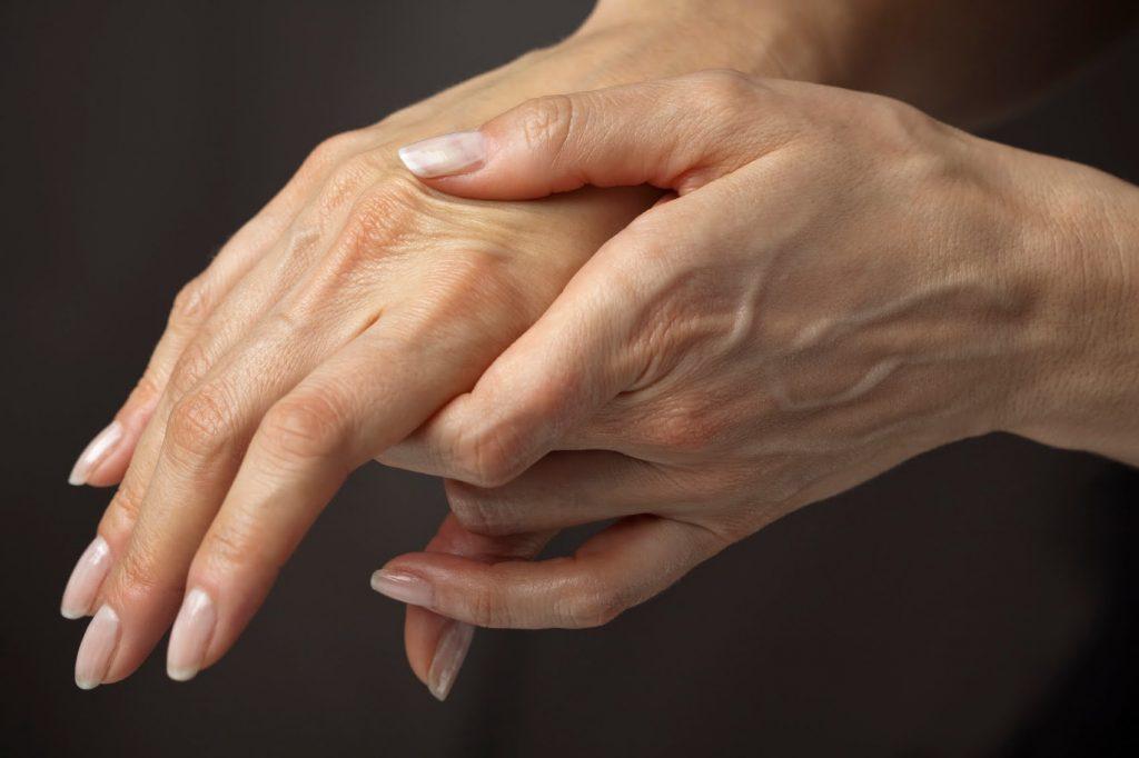 Артроз пальцев рук: симптомы и лечение, фото