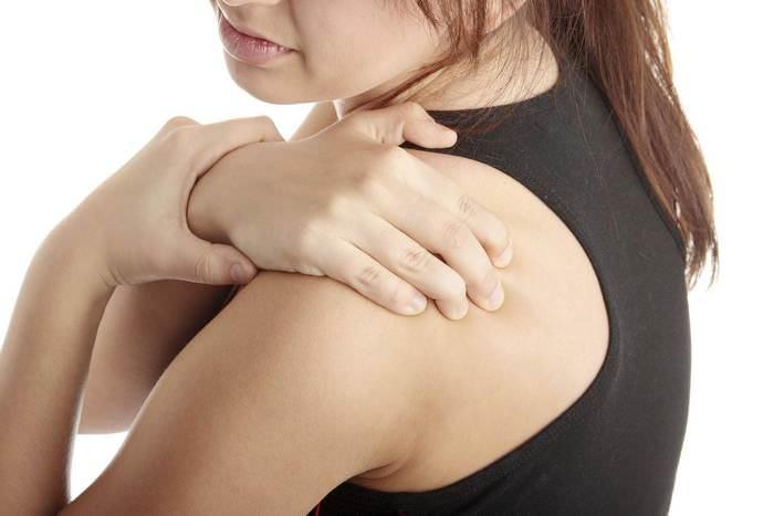 Проявления симптомов аллергического артрита