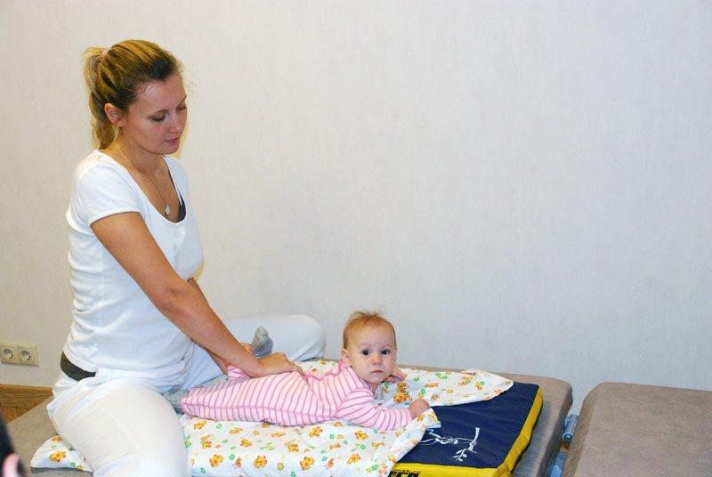 ЛФК при дисплазии тазобедренных суставов у детей: упражнения и гимнастика