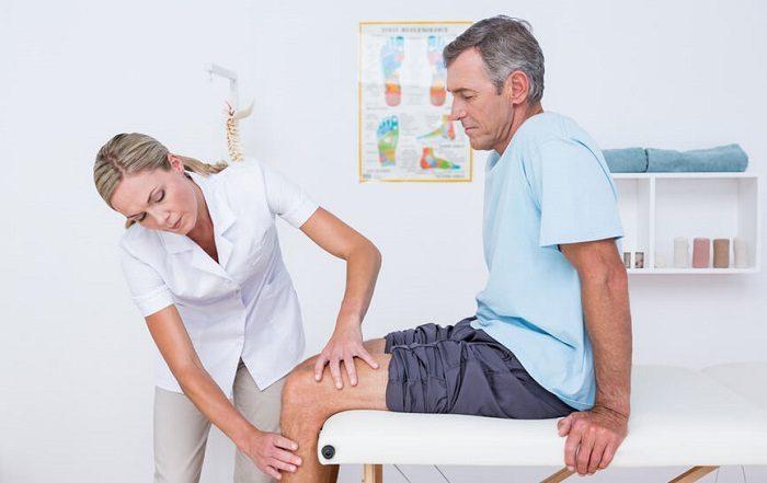 осмотр врача-ревматолога