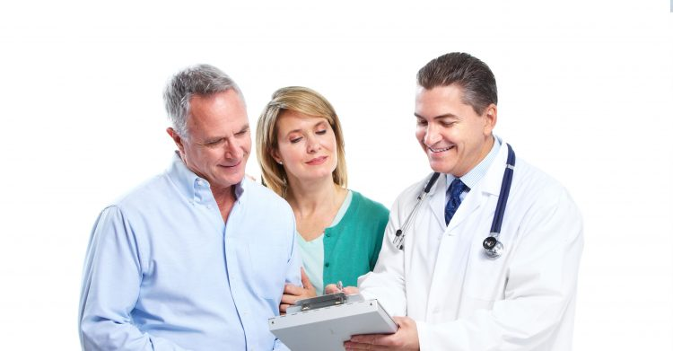 доктор с пациентами